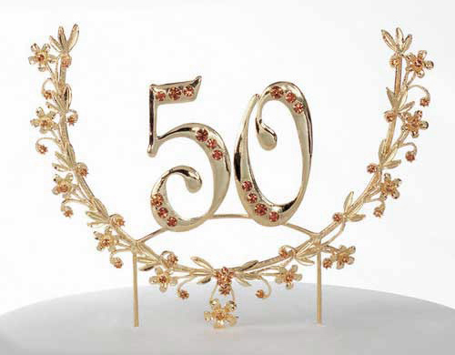 Golden Anniversary Table Decorations http://www.decoratingstudio.com/Wedding_Bridal/50th_anniversary_cake_topper_decor.html